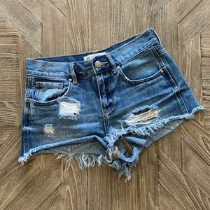Bullhead distressed high rise denim shorts sz 24 1